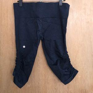 Lululemon Cropped Yoga Pants 10 EUC